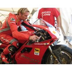 Guardabarros delantero en carbono Fogarty para Ducati