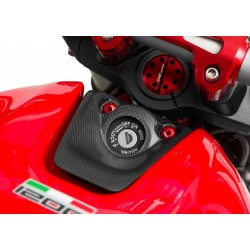 Protector de llave CNC Racing en carbono Ducati Monster 821-1200
